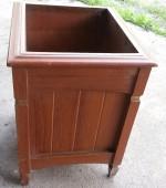 un-categorized item - garbage bin