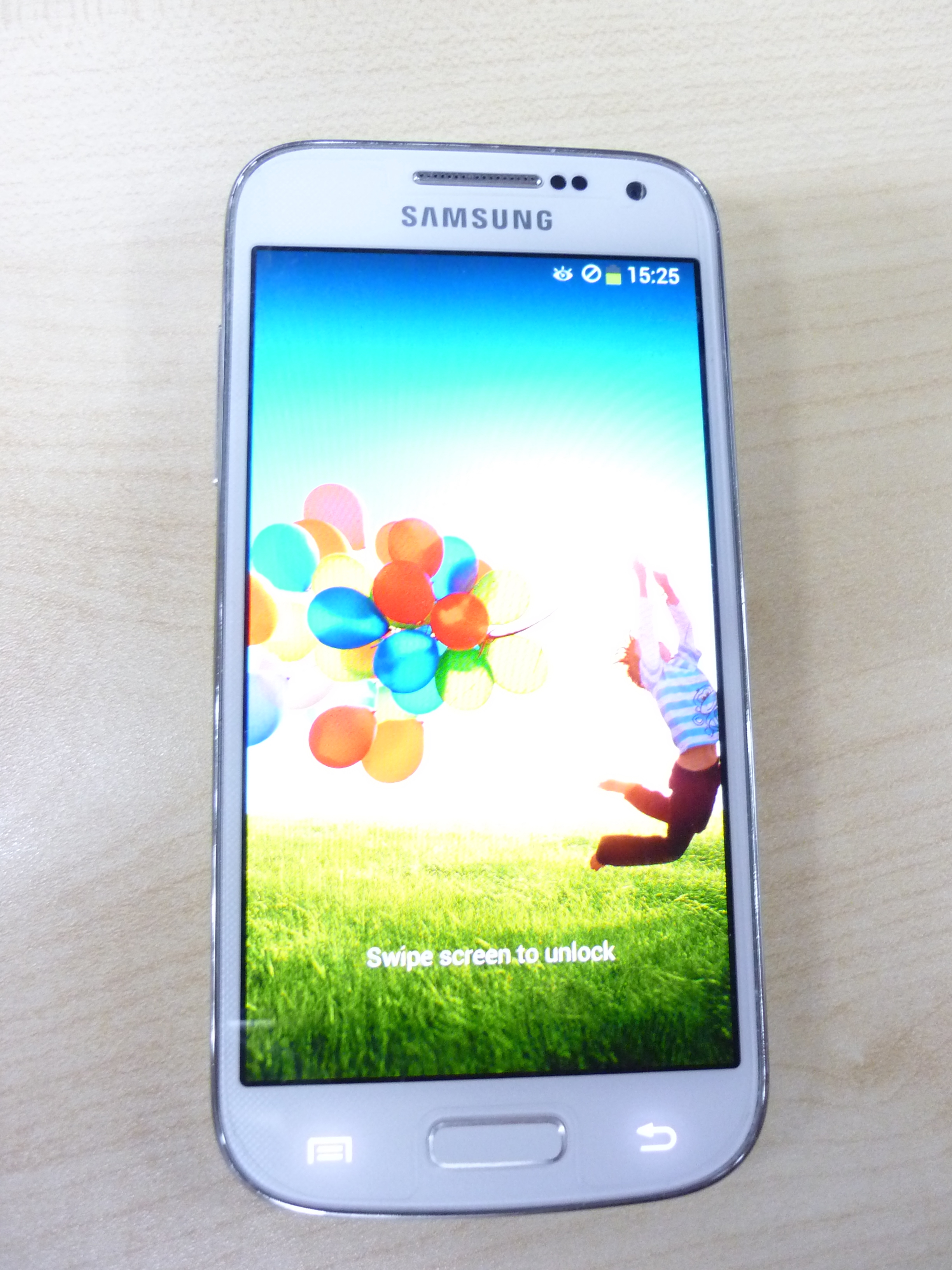Samsung Galaxy S4 Mini Used Hotel Items